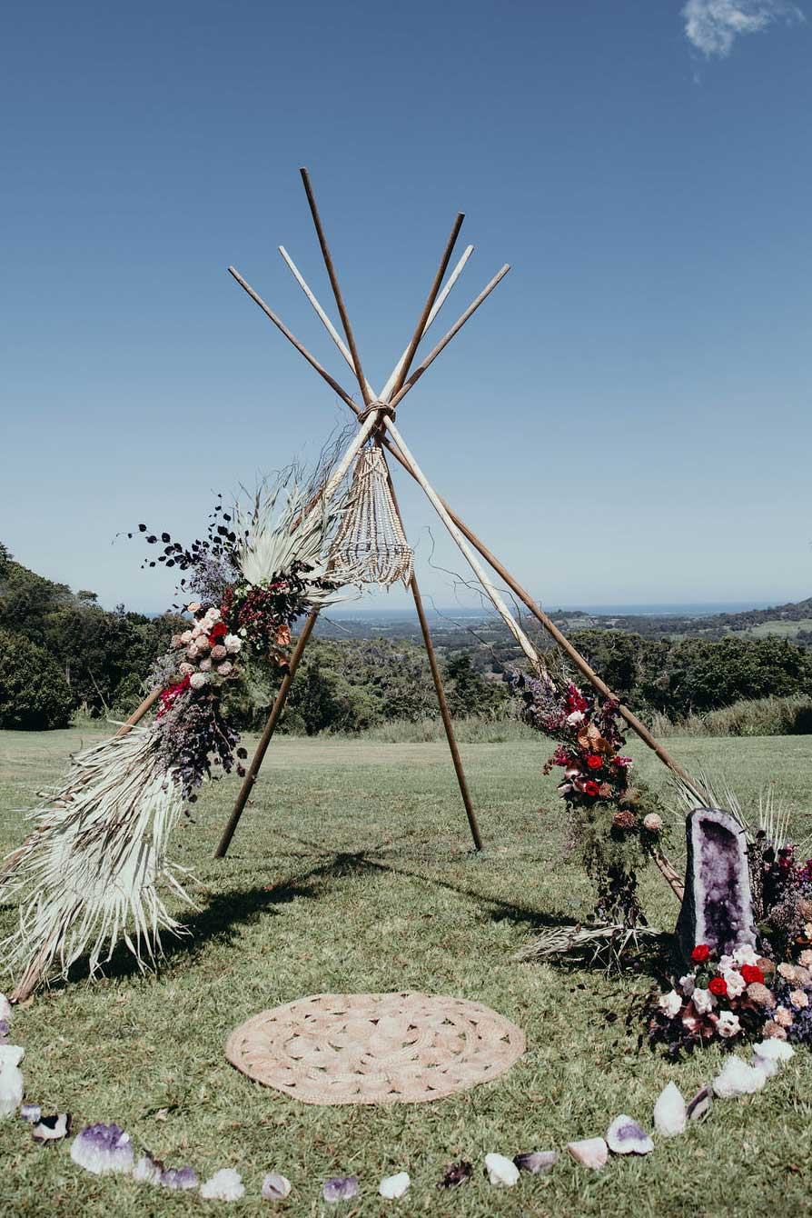 Tipi arbour with crystals